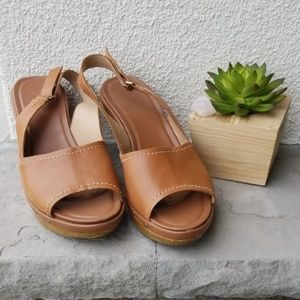Naturalizer brown heeled shoes